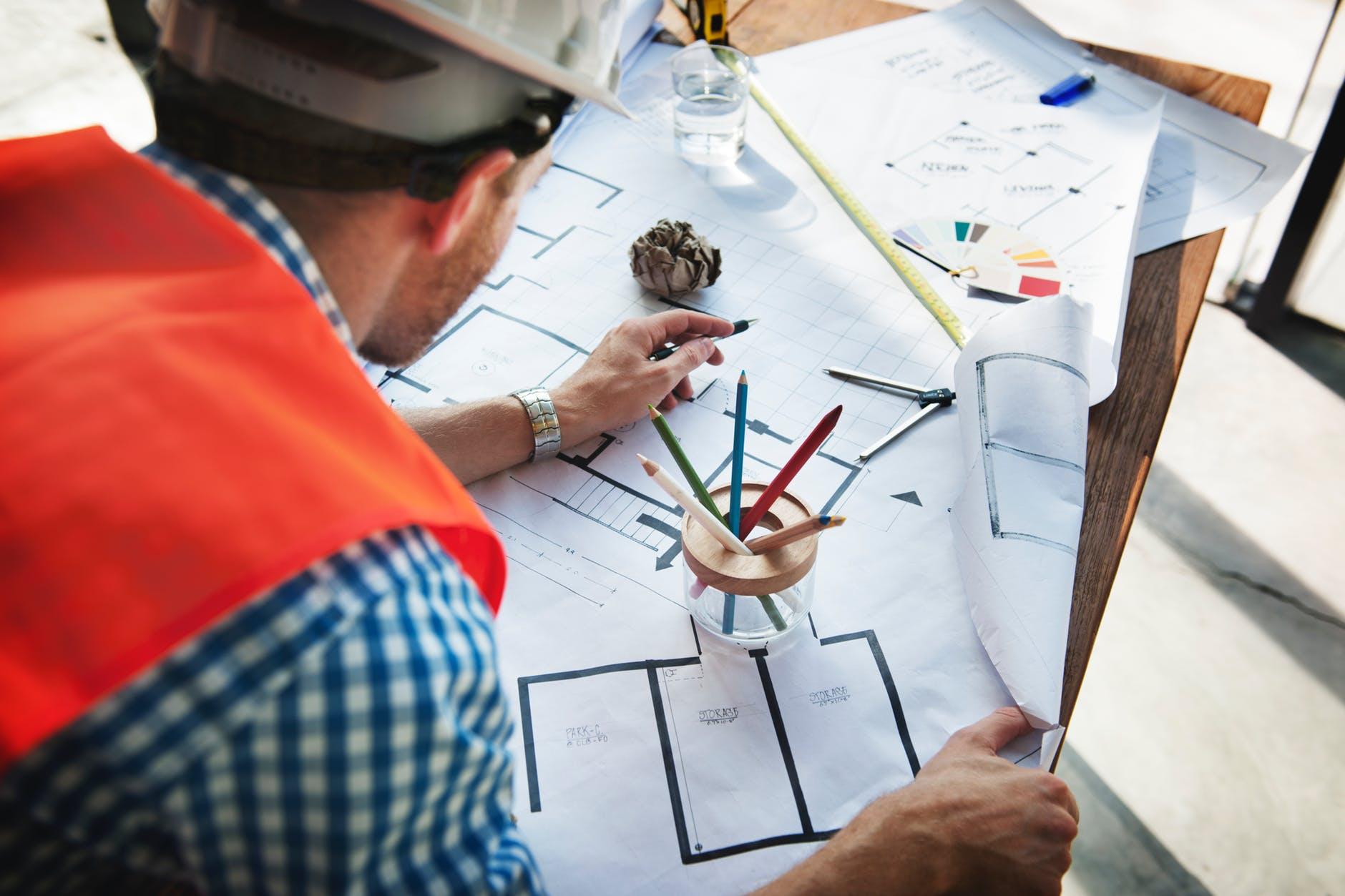 Technicien sur un chantier
